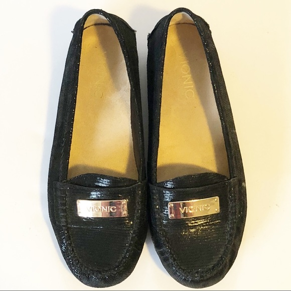a5bc529b67ae Vionic Women s Black Sparkly Flats Loafers Size 6.  M 5bb557b8619745984c01cfca